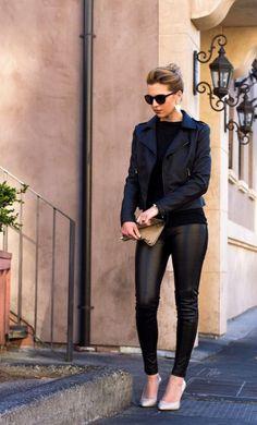 #IPV Negro sobre negro | Black on black | Noir sur noir Opción que no requiere saber combinar colores. Elegante, estilizante y Damn sexy. INSPIRACIÓN PARA VESTIR by YZAB #YZAB #ESTÉTICA #style #estilo #moda #fashion #instafashion #instamoda #streetstyle #blogger #fashionblogger  #fashionvenezuela #outfit #ootd #girl #chic #black #negro #noir