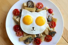 Cat Egg Molds lets you create an Awesome Breakfast