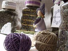 Ötletelő: Üvegcsék Purple Lilac, Bee, Tulle, Velvet, Satin, Wool, Silk, Hair Styles, Beauty