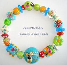 S U U Z D E S I G N handmade lampwork bead set - - Where's the dog - -, SRA