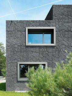 Schneider & Schneider - House with horse stables, Merenschwand 2009. Photos © Roger Frei. [[MORE]]