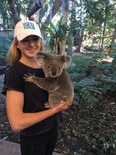 Chloe Lukasiak with a koala! Dance Moms Chloe, Dance Moms Dancers, Dance Mums, Dance Moms Girls, Chloe Lukasiak, Brynn Rumfallo, Mom Pictures, Jordyn Jones, Play Soccer