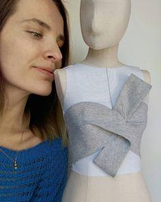 The first creation⚓ Pattern Cutting, Pattern Making, Fashion Sewing, Diy Fashion, Bustiers, Dress Patterns, Sewing Patterns, Moda Peru, Modelista