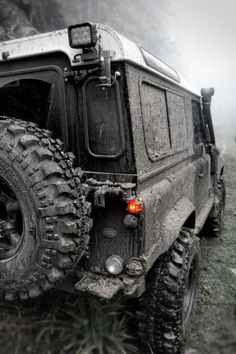 Land Rover Defender Blog. Clean as a whistle every single day.