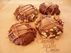 Adventures of a DIY Mom - Turtle Cookies Yummy Cookies, Yummy Treats, Yummy Food, Sweet Treats, Holiday Cookies, Sugar Cookies, Delicious Desserts, Cookie Recipes, Snack Recipes