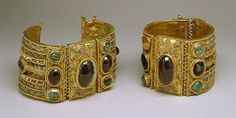 Magnificent jewelry, ancient Greco-Roman 1st - 2nd century BC.