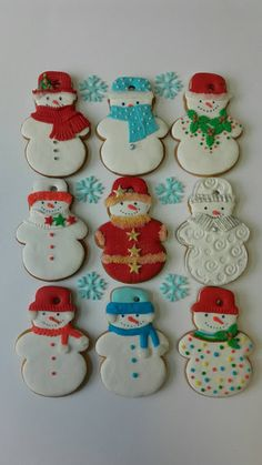 Savoy biscuit with Mercotte chocolate - HQ Recipes Christmas Cookies Packaging, Christmas Sugar Cookies, Holiday Cookies, Christmas Gingerbread House, Noel Christmas, Christmas Baking, Iced Cookies, Cupcake Cookies, Cookies Et Biscuits