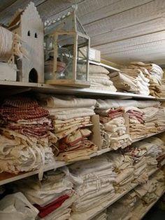 I heart linen. Vintage Textiles, Vintage Linen, Vintage Armoire, Linen Cupboard, Textile Fiber Art, Burlap Lace, Pantry Storage, Linens And Lace, Fabulous Fabrics