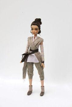 OOAK Jakku Rey from Star Wars by aishavoya on DeviantArt Little Presents, Rey Star Wars, Star Wars Collection, Handmade Clothes, Barbie Dolls, Art Dolls, Bae, Winter Jackets, Hipster