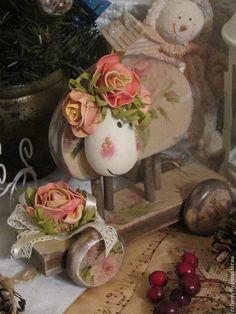 """Символ 2015 года """" Овечка Розария"""" - бежевый,розовый,зеленый,желтый,цветы"""