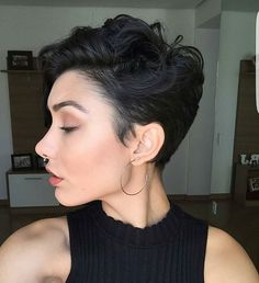 Who says short hair isn't sexy?! Get some products to glamourize your cropped 'do at sexyhair.com