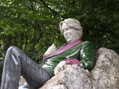 Oscar Wilde memorial, Dublin Ireland