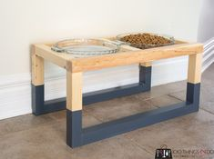 Scrap Wood Projects, Cool Diy Projects, Home Projects, Diy Kleidung, Entryway Tables, Dog Lovers, New Homes, Dishes, Pets