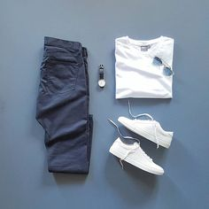 Men Casual T-Shirt Outfit 🖤 Very Attractive Casual Outfit Grid, Komplette Outfits, Casual Outfits, Men Casual, Fashion Outfits, Casual Chic, Smart Casual, Retro Mode, Mode Vintage, Capsule Wardrobe