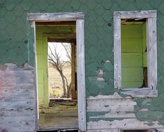 valscrapbook:  Abandonned house by ZERO POVERTY on Flickr.