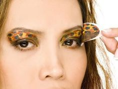 DIY Halloween Makeup : How to Apply Leopard/Cheetah Print Eye Makeup