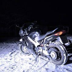 124 отметок «Нравится», 8 комментариев — Moto (@mmdayz) в Instagram: «❄❄❄#motorcycle #moto #hondavfr800 #800cc #bike #sportbike #black #cool #motor #motorsport…»