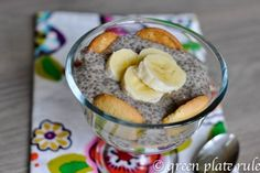 Banana Chia pudding - make ahead breakfast. Can it get any easier?