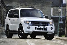 Pajero Sport Mitsubishi Specification - http://autotras.com