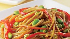 Whip up this meatless, healthy, and high-protein Edamame Lo Mein recipe. #healthyreacipes #dinner #recipes | everydayhealth.com