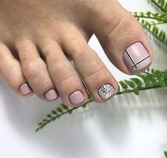 Nail art Christmas - the festive spirit on the nails. Over 70 creative ideas and tutorials - My Nails Pedicure Designs, Pedicure Nail Art, Toe Nail Designs, Black Pedicure, Pedicure Soak, Pedicure Colors, French Pedicure, Pedicure Ideas, Toe Nail Color