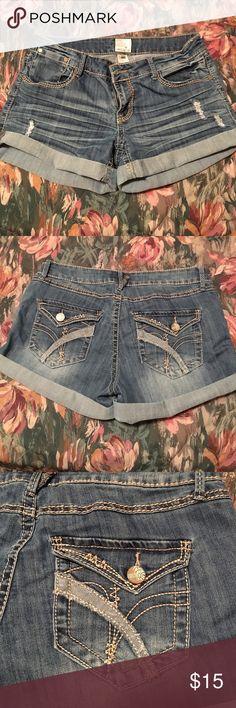 Cute blue jean shorts Really cute mini shorts with cuffs at the bottom Arden B Shorts Jean Shorts