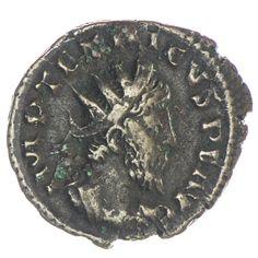 Tetricus I. 270 - 273, Av: IMP TETRICVS P F AVG drapierte und kürassierte Büste mit Strahlenkrone nach rechts, Rv: HILARITAS AVGG Hilaritas steht nach links, in der Rechten Palmzweig und in der Linken ein Füllhorn, Bronze