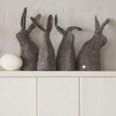 Felt bunnies. Love