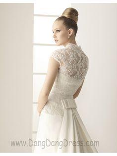 259 MURMULLO / Wedding Dresses / 2011 Collection / Alma Novia / Shown with Bolero (close up back)