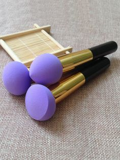 To find out about the Purple Sponge Brush Flawless Smooth Shaped Puff at SHEIN, part of our latest Makeup Tools ready to shop online today! Makeup Inspo, Makeup Inspiration, Beauty Make-up, Aesthetic Makeup, Makeup Brush Set, Makeup Brush Cleaner, Cute Makeup, Beauty Blender, Skin Makeup