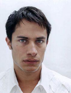 Dana Lixenberg, (portrait of) Gael Garcia Bernal, Mexico