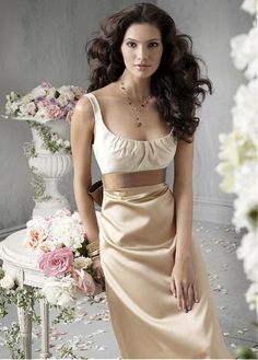 Elegant Satin Scoop Neck Floor Length Prom Dress