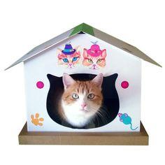 Cabane chat, blanche personnalisée avec des stickers pour notre princesse