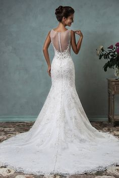 Glorious back details by the oh-so talented Amelia Sposa!