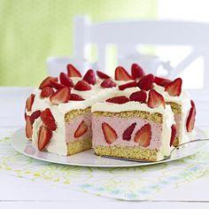 Erdbeer-Sahnetorte Rezept | LECKER