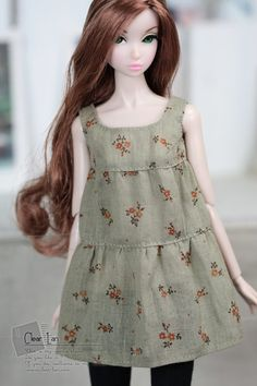 Barbie - Do it Yourself Clothes Moda Barbie, Barbie Top, Barbie Gowns, Barbie Dress, Sewing Barbie Clothes, Diy Clothes, Yellow Clothes, Barbie Fashionista, Modern Outfits