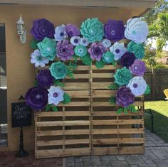 Items similar to Paper Flower Backdrop, Giant Paper Flowers, Paper flower wall on Etsy Paper Flower Wall, Giant Paper Flowers, Diy Flowers, Paper Flower Backdrop Wedding, Wedding Paper, Diy Paper, Paper Crafts, Pallet Backdrop, Diy Backdrop