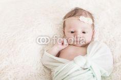 Newborn Kleine Prinzessin wach
