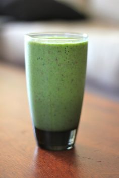 1 banana  1 small apple or 1/2 large (I've been using Honeycrisp but any will do)  1 cup unsweetened vanilla almond milk  1 tbsp chia seeds (don't have them? just leave 'em out)  1 large handful spinach  4-5 ice cubes