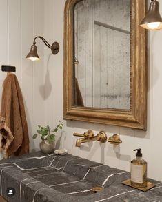 Bathroom Inspiration, Home Decor Inspiration, Decor Ideas, Bathroom Interior Design, Interior Decorating, Interior Minimalista, Amber Interiors, Up House, Piece A Vivre