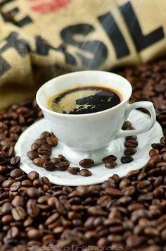 ~Cafés do Brasil | The House of Beccaria. Via @houseofbeccaria. #coffee #Braziliancoffee