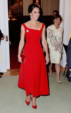 Kate Middleton Canada tour 2016. Red dress. Classic. Stylish. Red suits every one