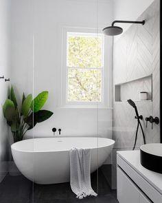 "112 Likes, 1 Comments - ABI (@abiinteriors) on Instagram: ""Keep it simple  Picture @pinterest . . . . #bathroom #abiinteriors #abi #bathroomdesign…"" Teen Girl Bedrooms, Clawfoot Bathtub, Teenage Girl Bedrooms, Teen Bedrooms"