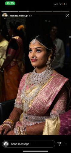 Indian Bridal Hairstyles, India Jewelry, Diamond Jewellery, Brides, Ethnic, Diamonds, Sari, Women's Fashion, Goals