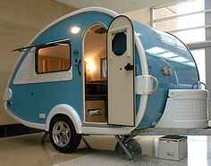 Small Camping trailer | LOVE, LOVE, LOVE the color!