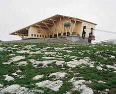 Herzog & de Meuron builds restaurant around cable-car station