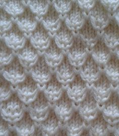 Ravelry: Mock Honeycomb Gloves pattern by Rahymah