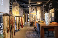 Zit ruimte met zicht op de stoffen collecties van Kendix, Ploeg & Artimo