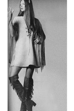 Fringe outfit in Vogue, c. Seventies Fashion, 70s Fashion, Fashion History, Look Fashion, Vintage Fashion, Moda Hippie, Hippie Chic, Hippie Style, Boho Chic