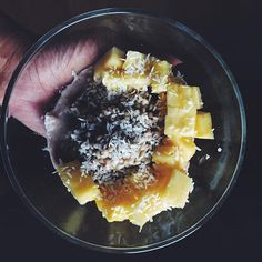 Start your day right!! Buckwheat porridge with some pineapple sprinkled coconut flakes . Def giving me piña colada vibes.  So excited about all the new updates on the site. Cheeeeeeck it out lovers  #MenosMas http://hauteaudio.com